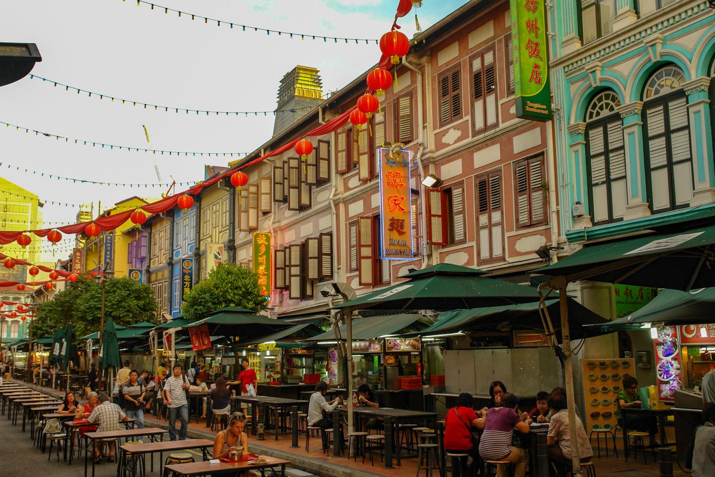 Chinatown in Singapore aan het begin van de avond