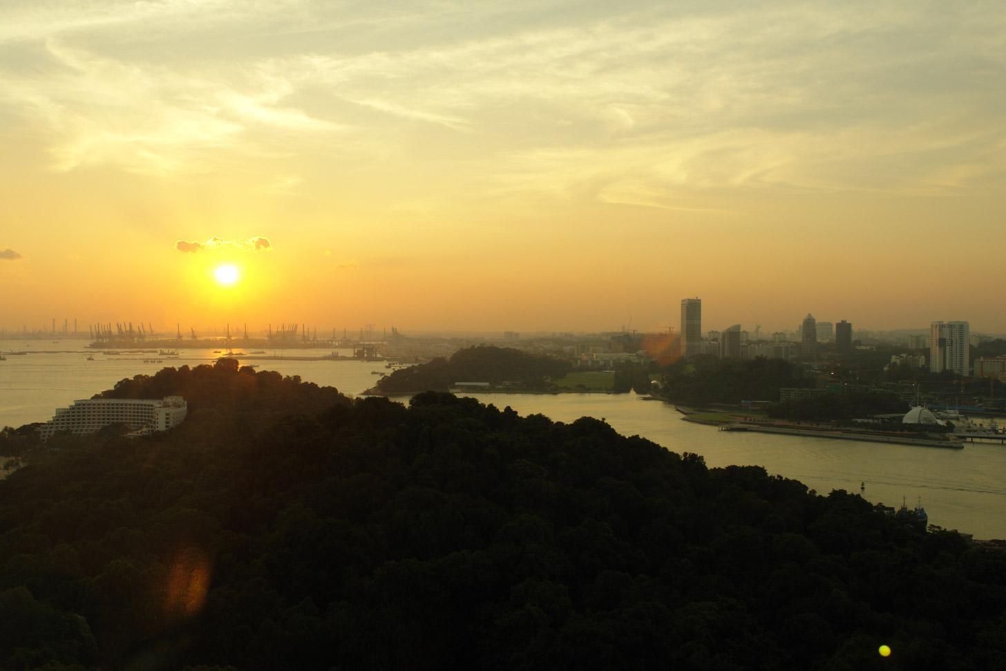 De zon laat zich ook geregeld zien in Singapore